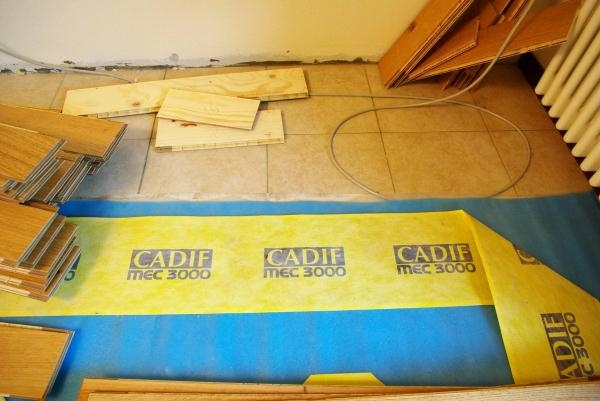 Come vedete il tappeto isolante e la membrana sono stati - Tappeto riscaldamento pavimento ...